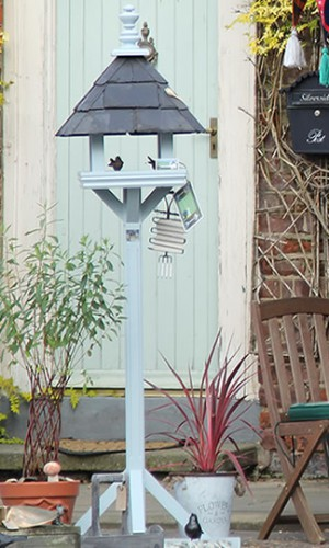 Montague Bespoke Bird Table Robinson Garden