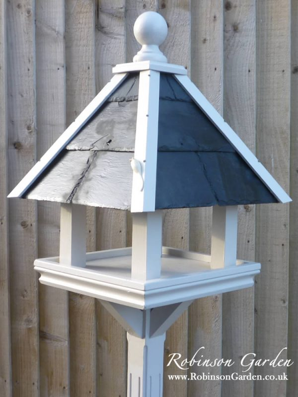 Robinson_Garden_Bird_table_Phoenix