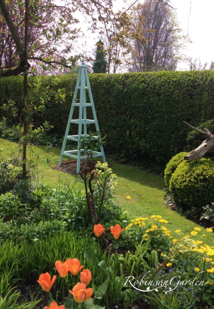 Windsor Bespoke Wooden Obelisk - Green Blue