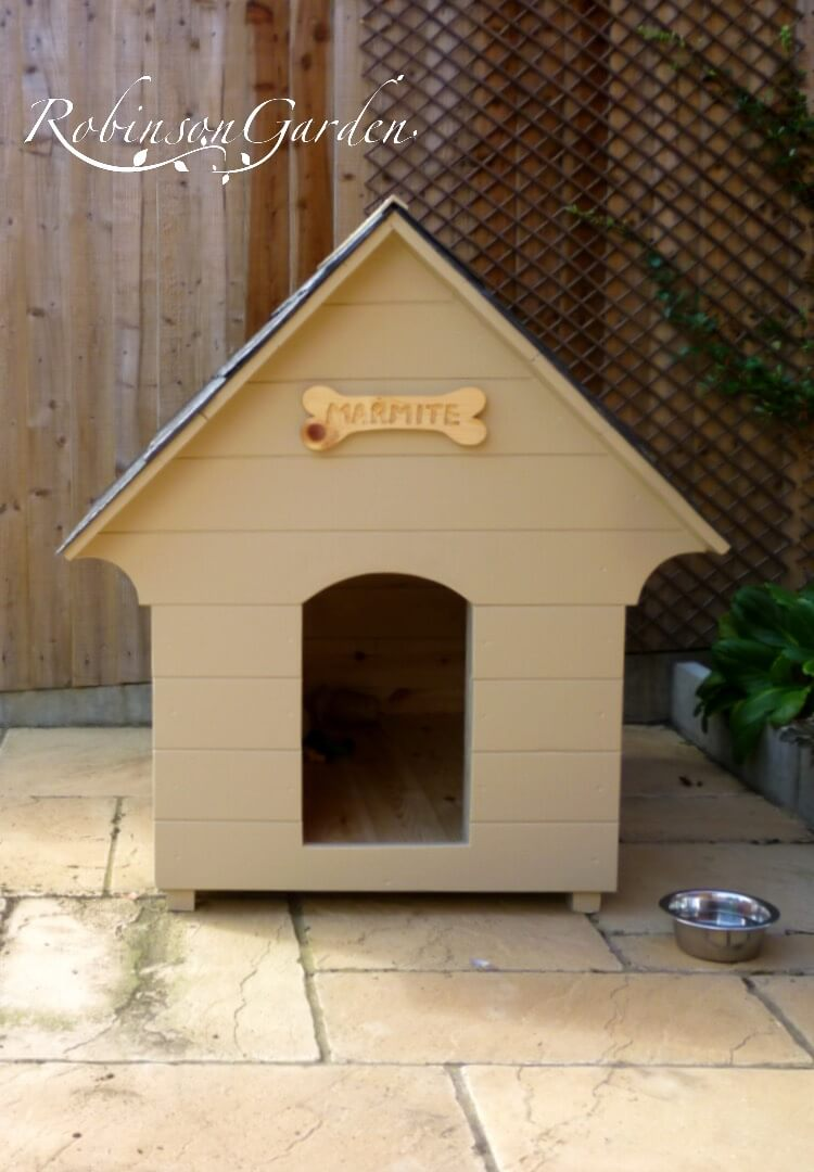 Edwardian Dog Kennel - Farrow & Ball Bone 01